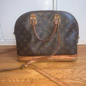 Authentic Louis Vuitton Purse larger alma